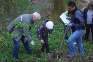 Pflanzaktion der Grundschüler Frühjahr 2011